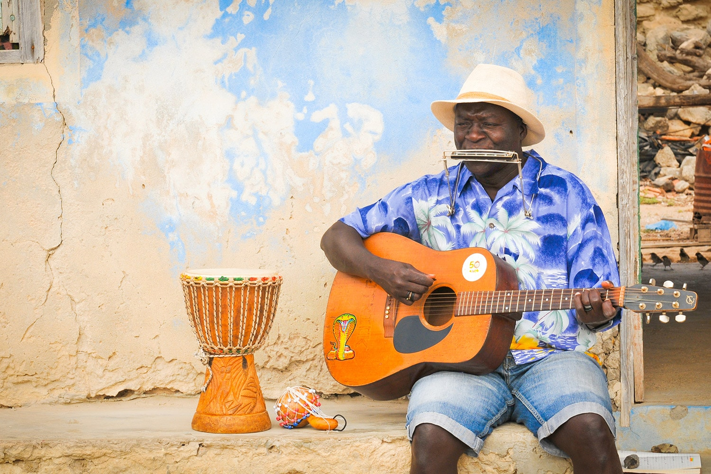 Muziek van een straatmuziek in Kaapverdië