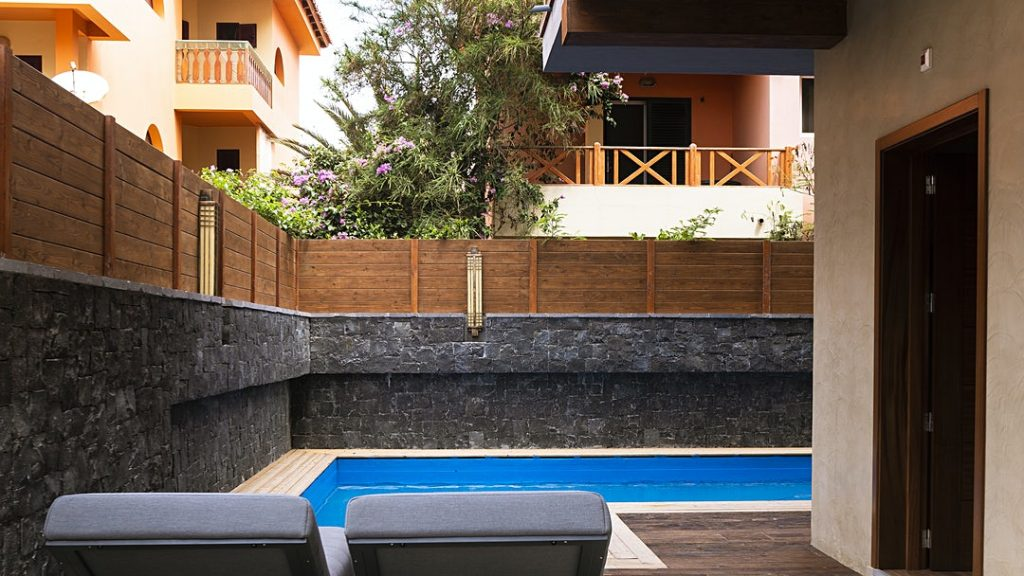 Hotel Angulo House Sal ligbedden zwembad