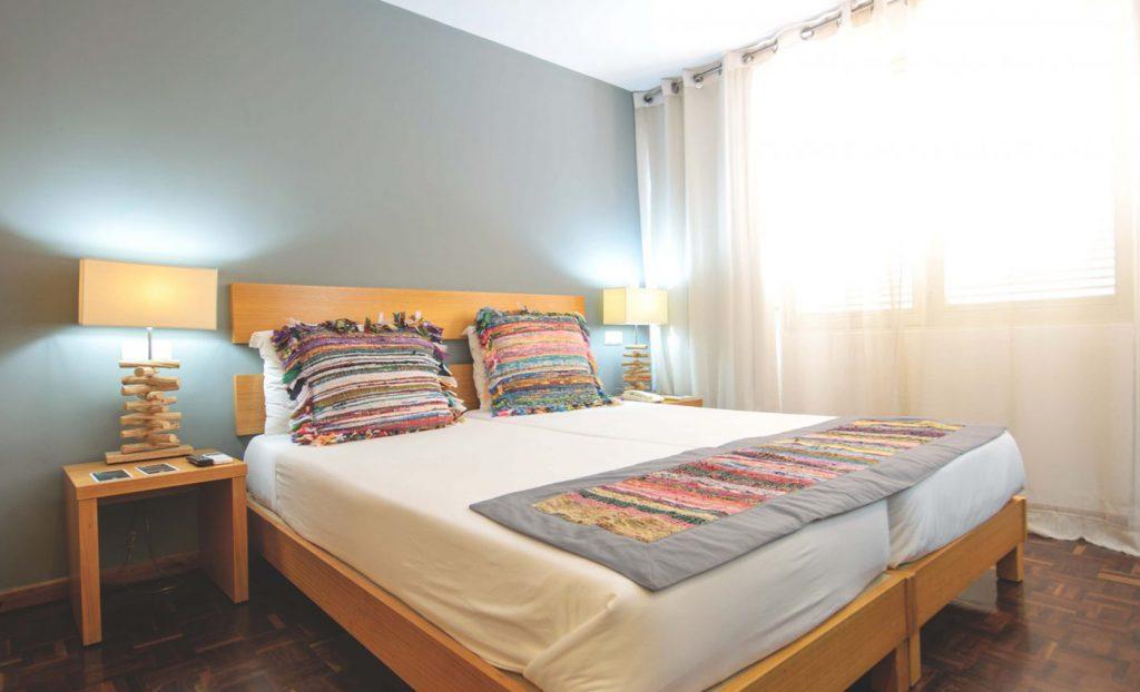Hotel Oasis Porto Grande Sao Vicente kamer bed