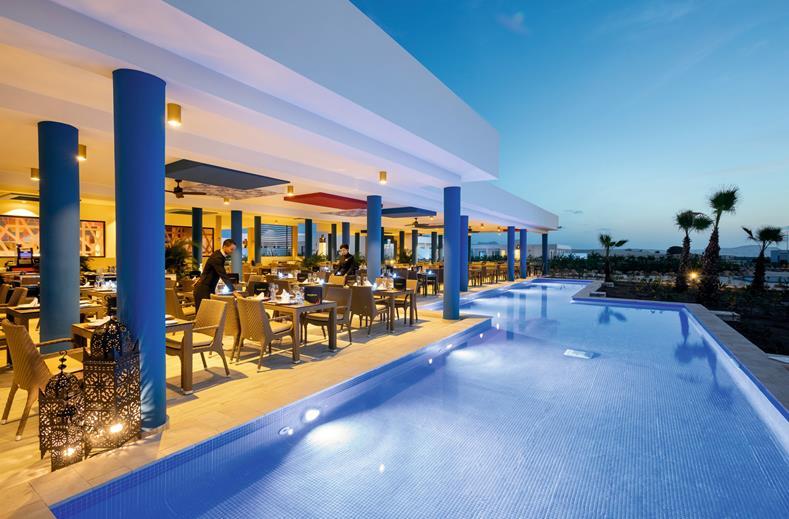 Hotel Riu Palace Boavista steakhouse zwembad