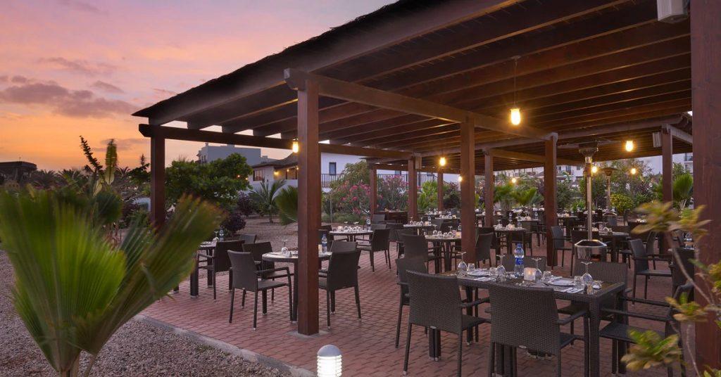 Hotel Sol Dunas Sal grill restaurant