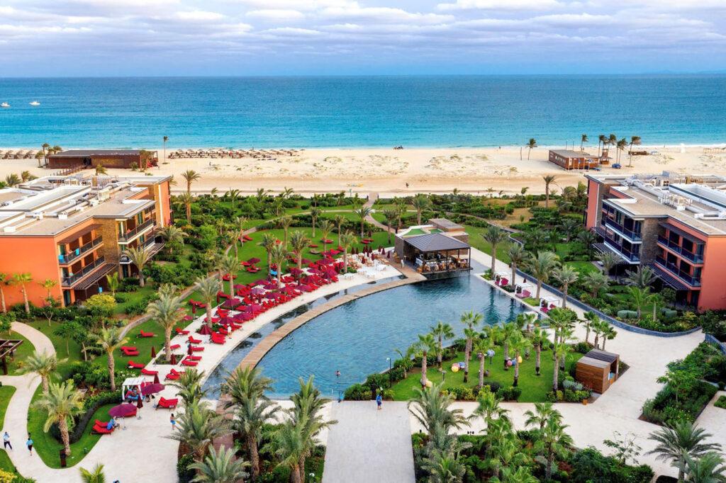Hotel Hilton Cabo Verder Sal resort, Kaapverdië Santa Maria, overzicht strand
