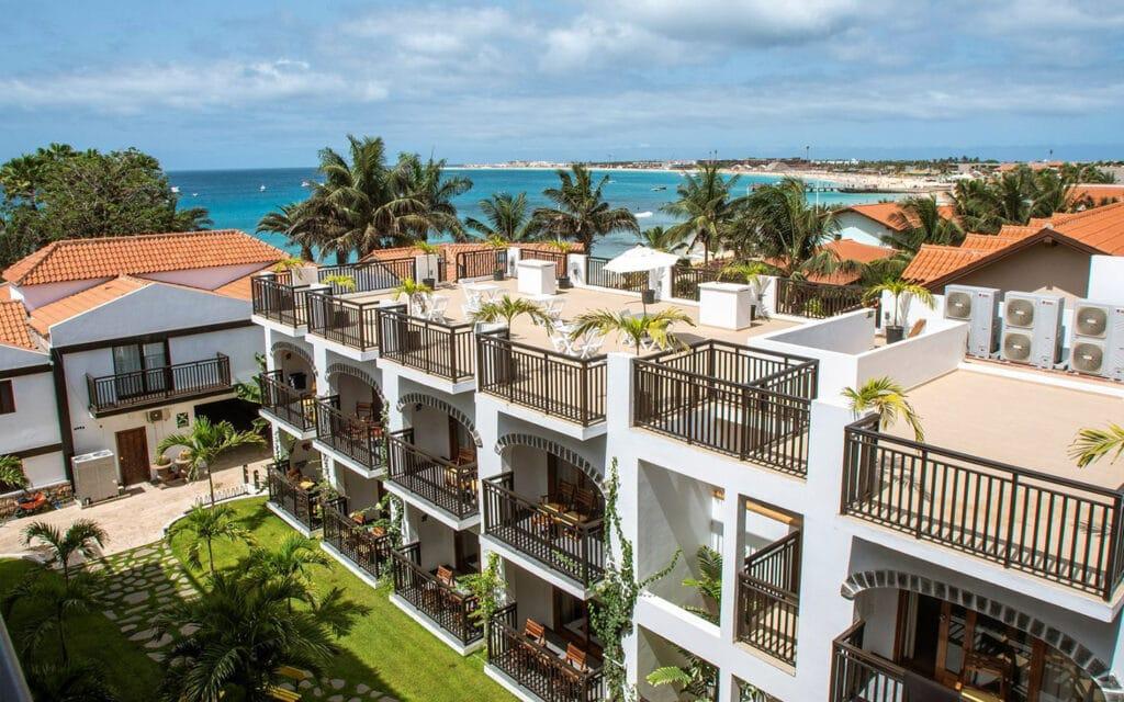 Hotel Odjo D'agua Sal Kaapverdië, Santa Maria hotelkamers en dakterras