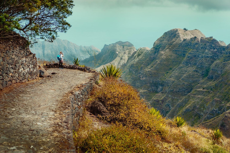 Kaapverdië Santo Antao, landschap, uitzicht over bergen tijdens hiken